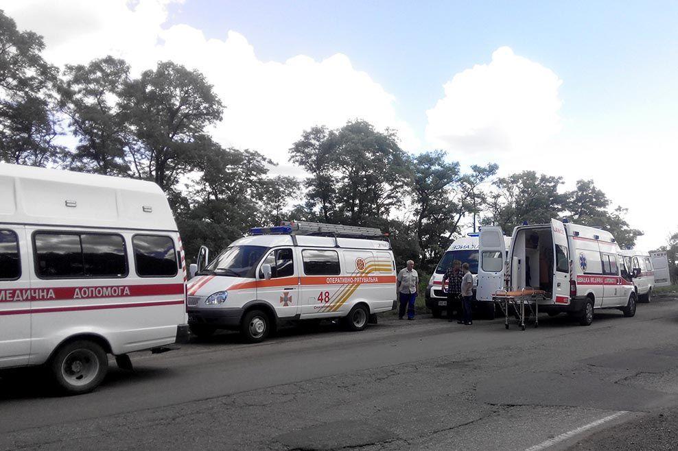 У Дніпропетровській області автобус зіткнувся з вантажівкою_2