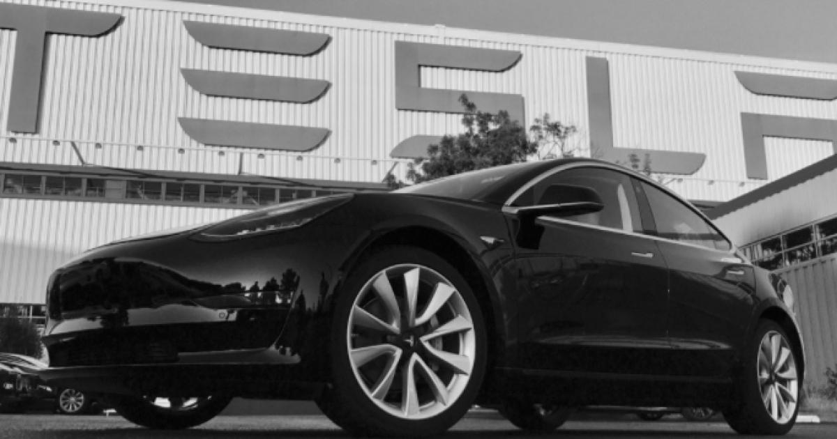 Tesla Model 3 @ Twitter.com/elonmusk