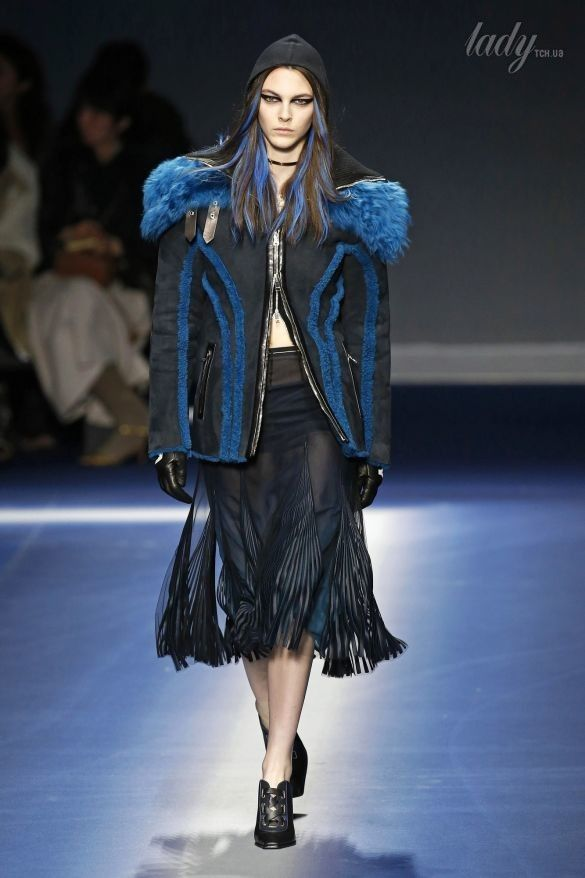 Коллекция Versace прет-а-порте сезона осень-зима 2017-2018_10