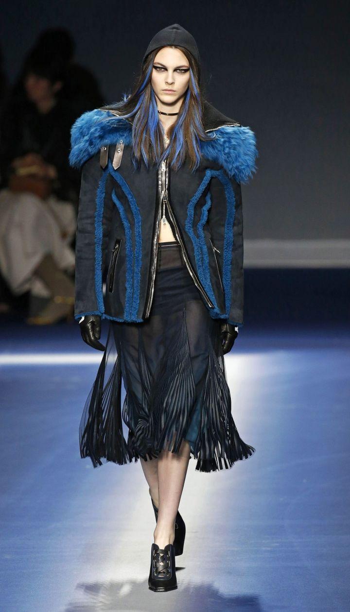 Коллекция Versace прет-а-порте сезона осень-зима 2017-2018 @ East News