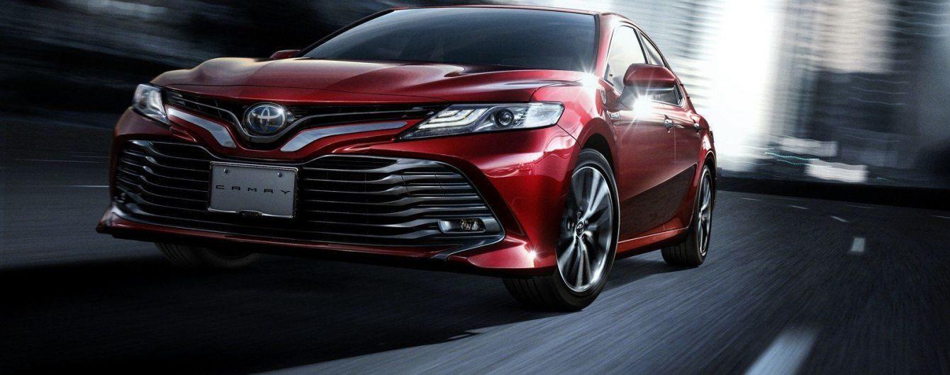 На український ринок вийшла топова версія Toyota Camry: названа вартість