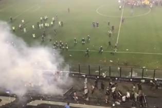 В Бразилии застрелили футбольного фаната во время стычки болельщиков