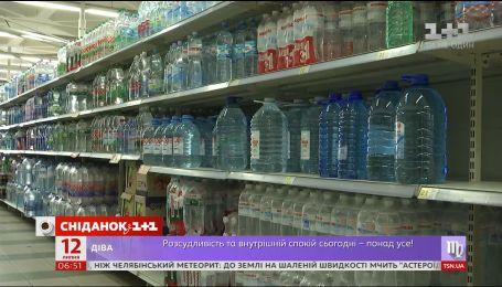 Половина фасованої води влітку може бути фальсифікатом