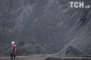 Россия призналась, что помогает боевикам с Донбасса экспортировать уголь – Bloomberg