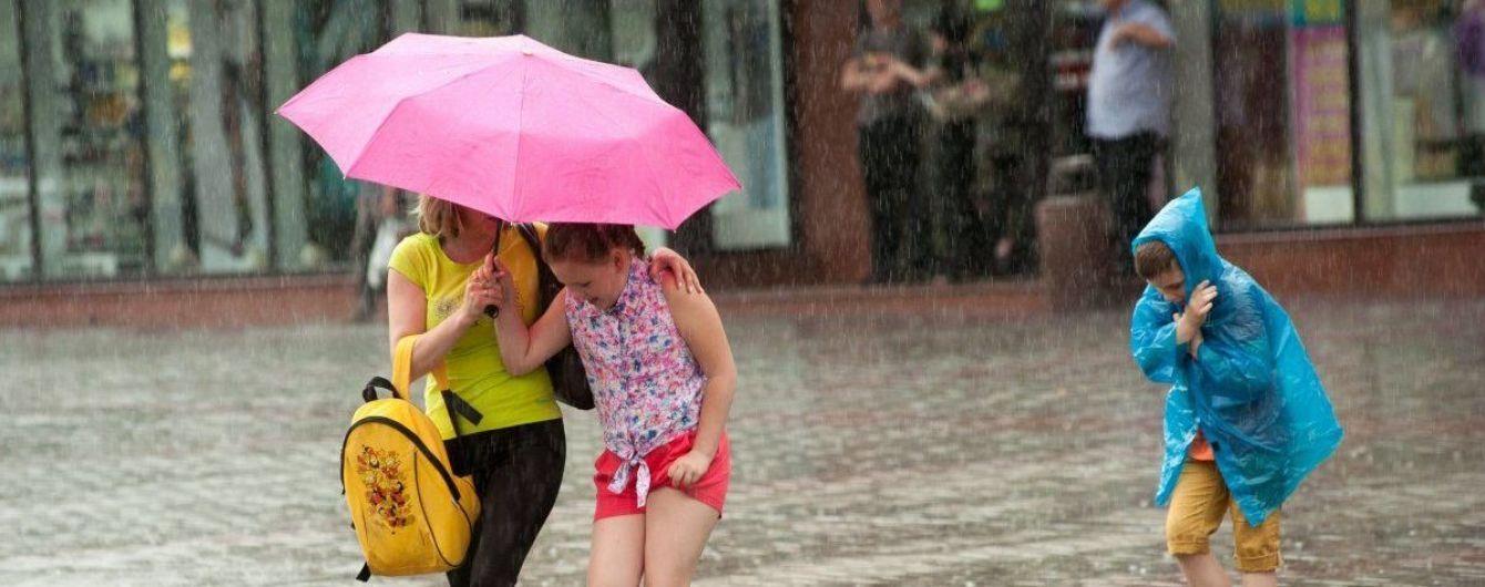 Робочий тиждень завершиться зливами, грозами та градом. Прогноз погоди на 22 червня