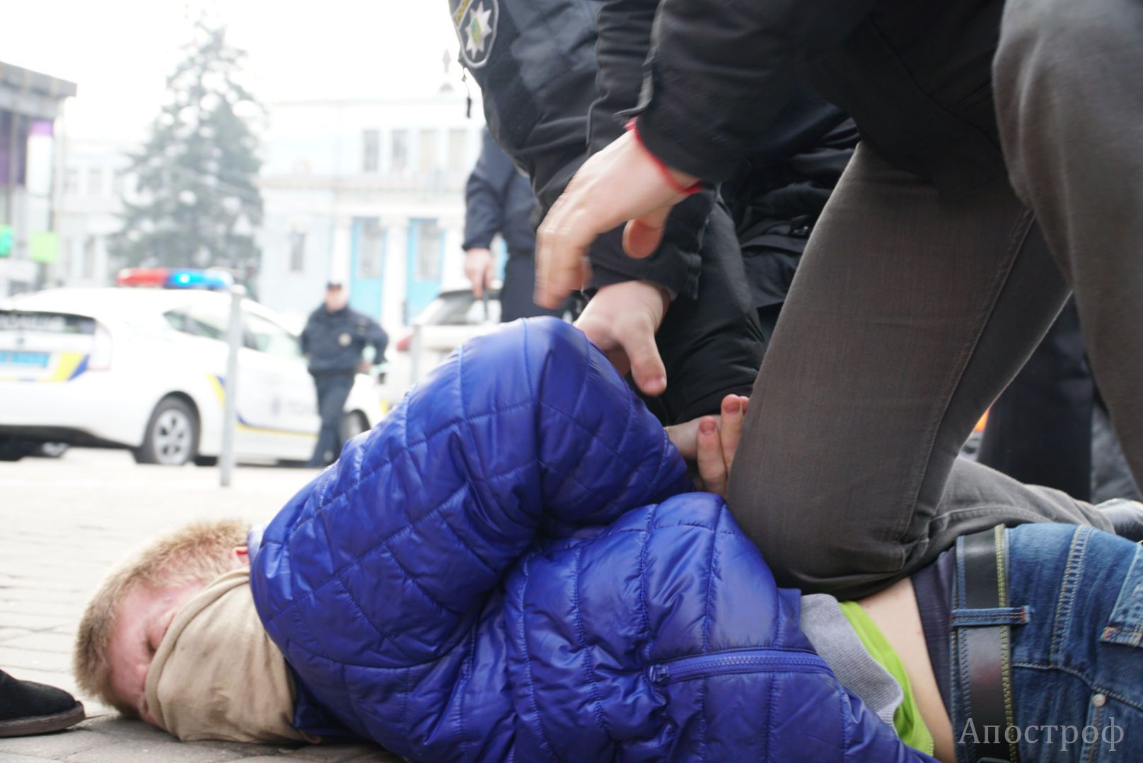 Нападник під час феміністського маршу 8 березня 2017 року
