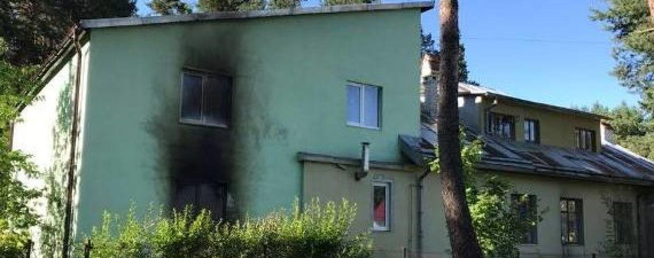 У Львові невідомі закидали монастир коктейлями Молотова