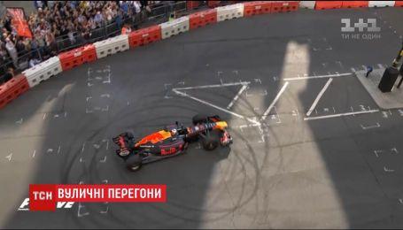 """У Лондоні влаштували перегони """"Формули-1"""" просто на вулицях"""