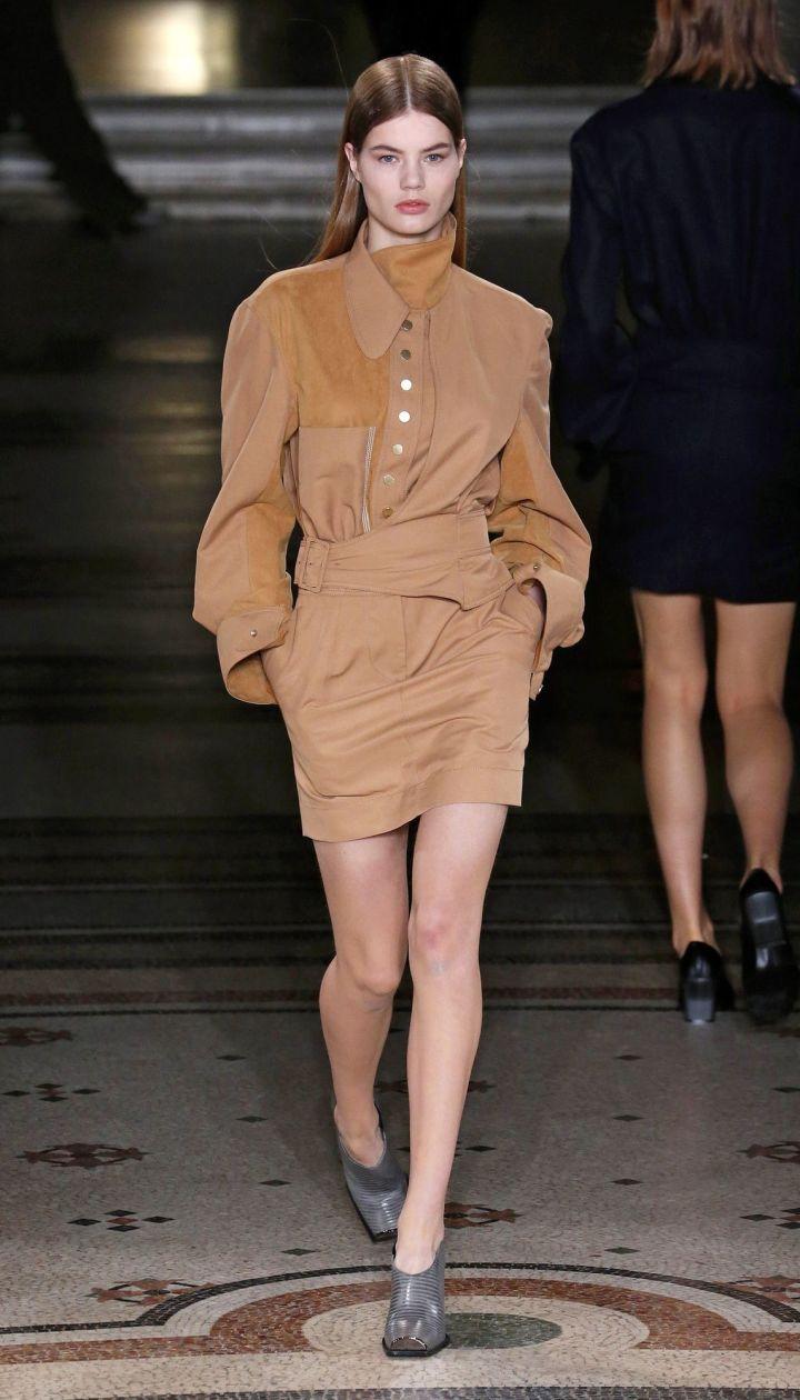 Коллекция Stella McCartney прет-а-порте сезона осень-зима 2017-2018 @ East News