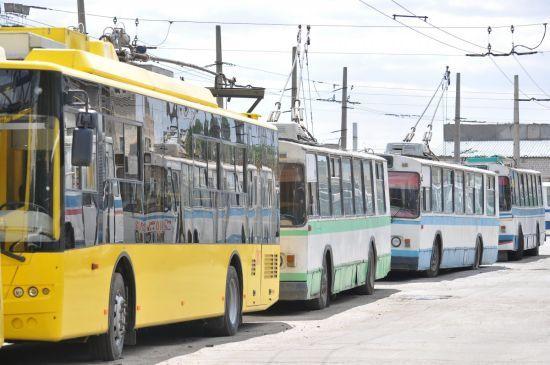 У Києві змінили маршрути низки тролейбусів та автобусів