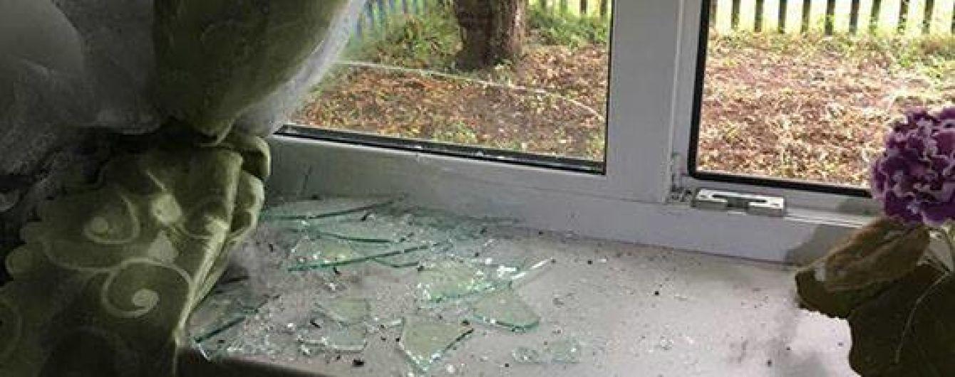 На Донеччині невідомий кинув гранату у приватний будинок, загинула жінка