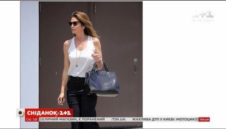 Сінді Кроуфурд з донькою провели вікенд, прогулюючись магазинами Лос-Анджелеса