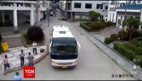 Південно-західну частину Китаю сколихнув землетрус амплітудою 4,9 бала