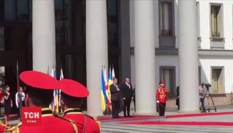 Порошенко прибув з офіційним візитом до Грузії
