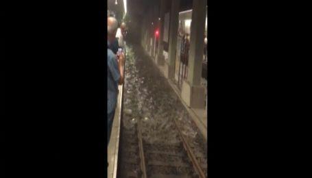 У Стамбулі висока вода затопила метро та заблокувала дорожній рух