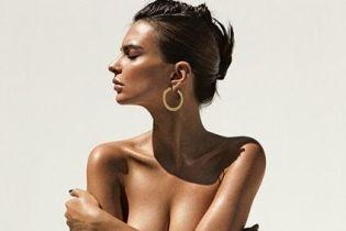 Она опять сделала это: Эмили Ратажковски топлес позировала для журнала Allure