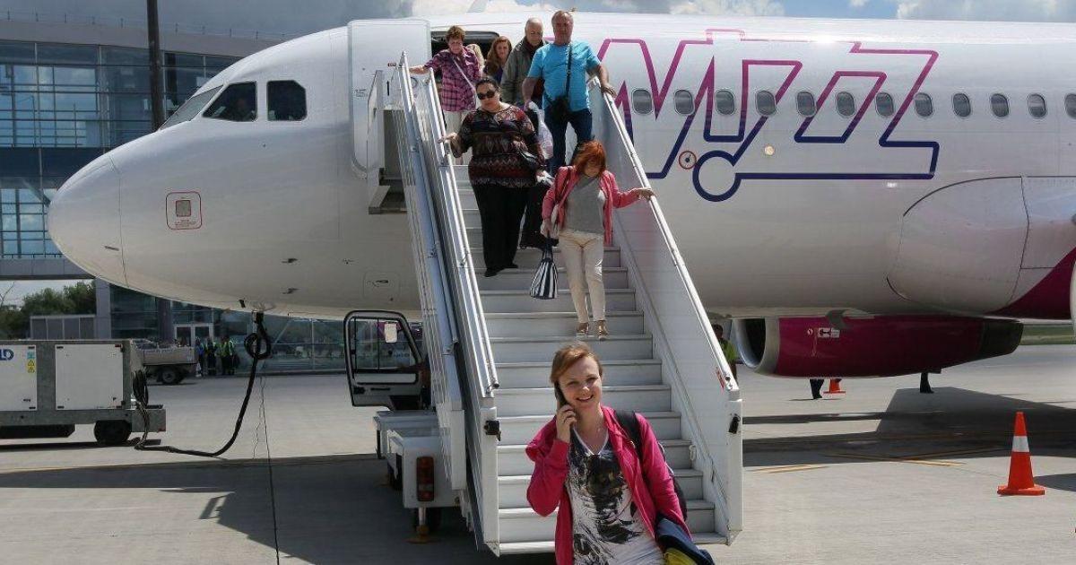 Wizz Air дозволив купляти квитки без зазначення імені пасажира