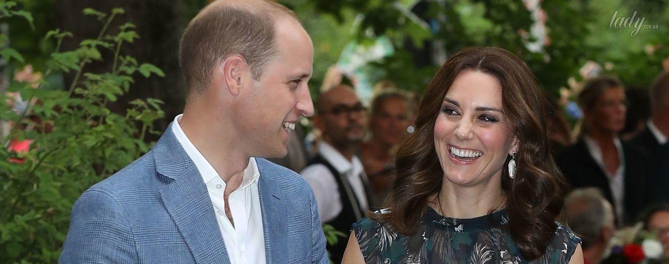 В платье немецкой марки и босоножках Prada: герцогиня Кембриджская с мужем на вечернем мероприятии в Берлине