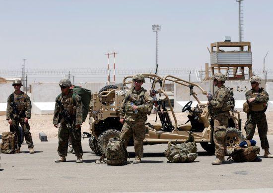 США планують вивести половину військ з Афганістану - ЗМІ