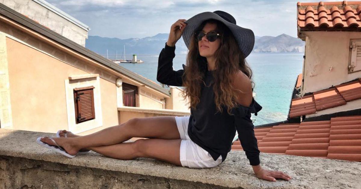 Загорелые ноги бикини фото, девушки надевает латекс онлайн эротика