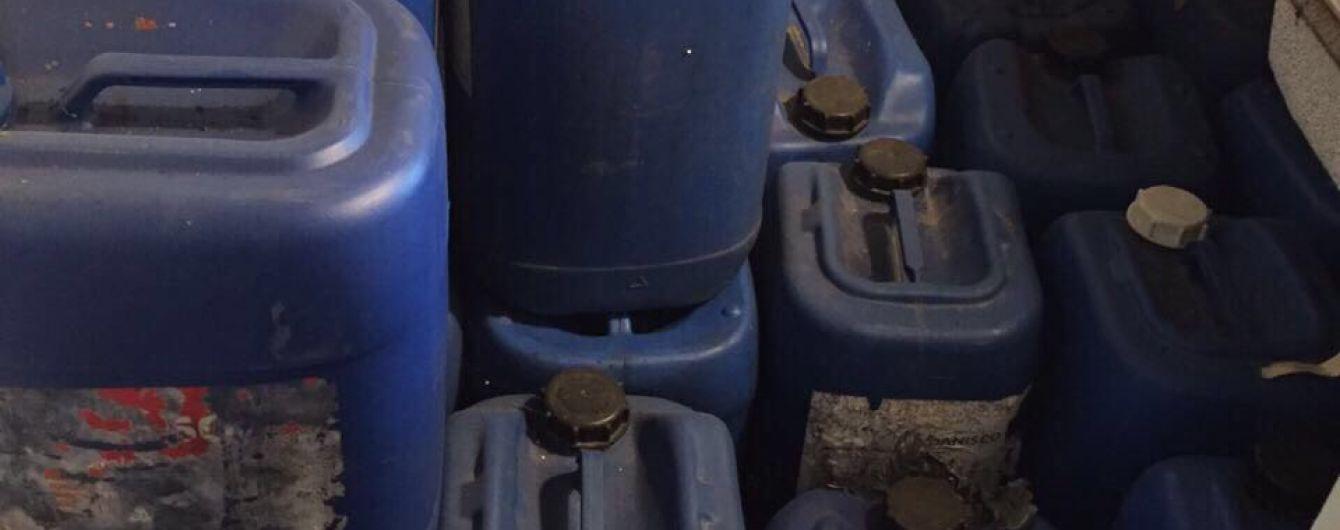 13,5 тонн контрабандного спирта изъяли пограничники в Винницкой области
