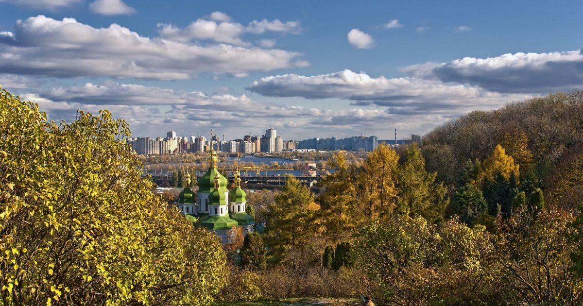 Пятница в Украине будет солнечной, теплой и без осадков