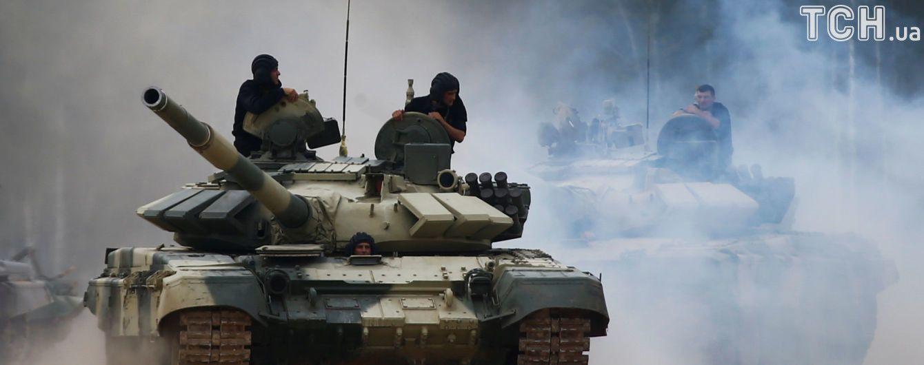 Вблизи зоны АТО украинские военные в темноте запустили противотанковые ракеты