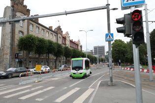 В Таллинне начали работать бесплатные автобусы без водителей