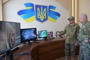 Турчинов на Донбассе испытал уникальную технологию блокирования сепаратистских телеканалов