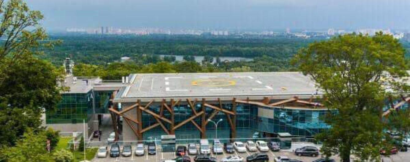 "Суд обязал вернуть ""вертолетную площадку Януковича"" предыдущему владельцу"
