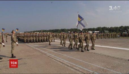 Українське військо готується до грандіозного маршу до Дня Незалежності разом із партнерами з країн НАТО