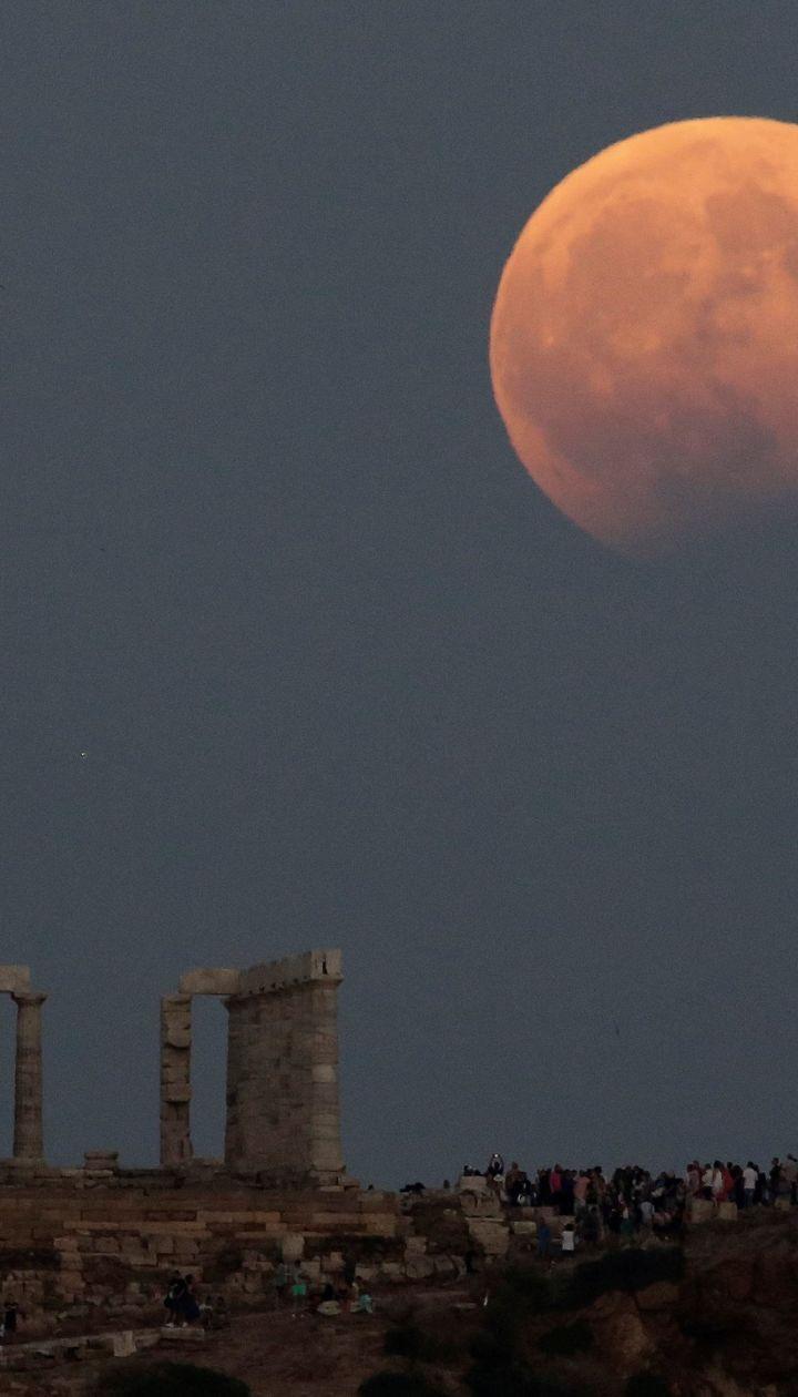 """Украинцы увидят """"кровавую Луну"""": что нужно знать об уникальном затмении. Инфографика"""