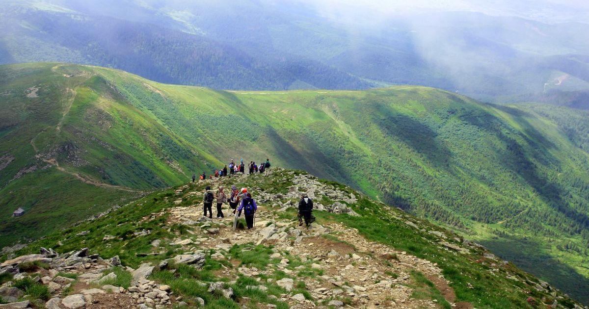 В Карпатах в горах заблудился человек