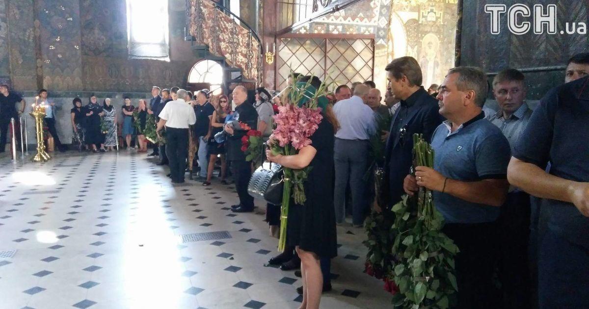 в Лавре прощаются с экс-депутатом Ириной Бережной