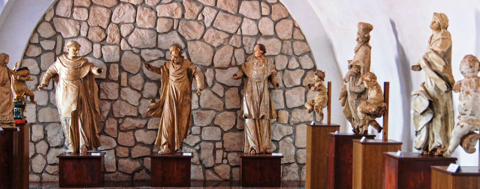 Збаражський замок, скульптури