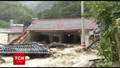 Юго-запад Китая накрыли наводнения и оползни