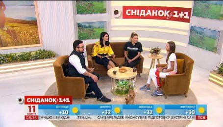 """У студії """"Сніданку"""" гімнастка Вікторія Мазур і тренер Іриша Блохіна"""