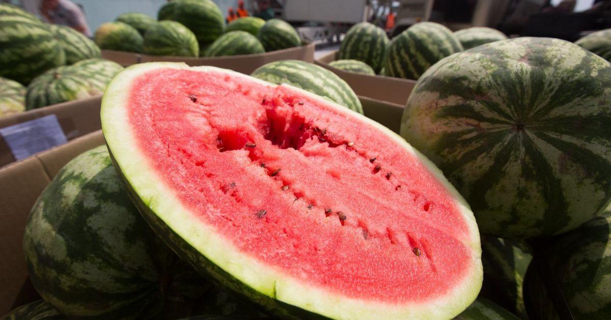 Цього року кавуни в Україні здорожчали втричі: скільки коштує смугаста ягода