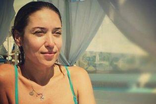 Без макияжа и с пышным бюстом: Алена Винницкая поделилась пляжным снимком