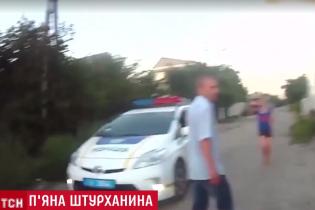 В Днепре четверо патрульных пострадали от выходок пьяного водителя и его подруги