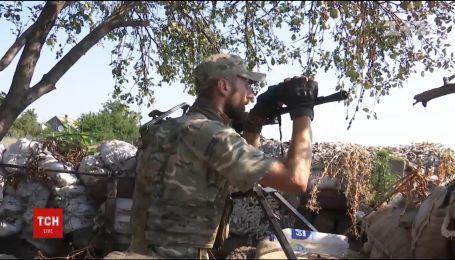 Фронтові зведення: один український захисник загинув, четверо отримали поранення в зоні АТО