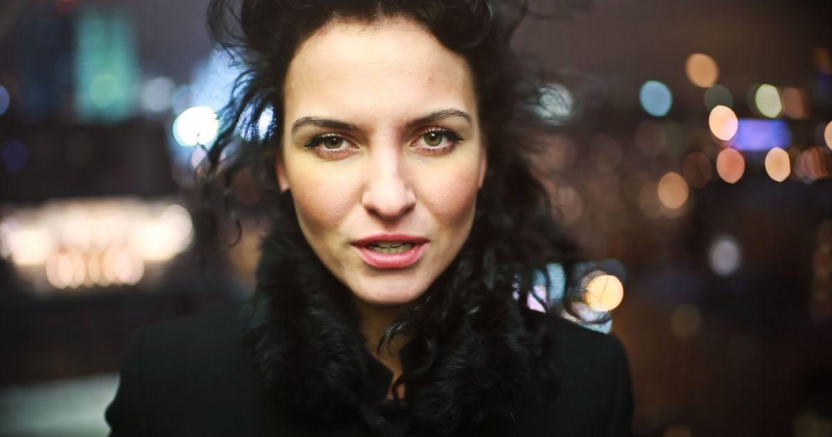 Популярной поэтессе из Москвы запретили въезд в Украину
