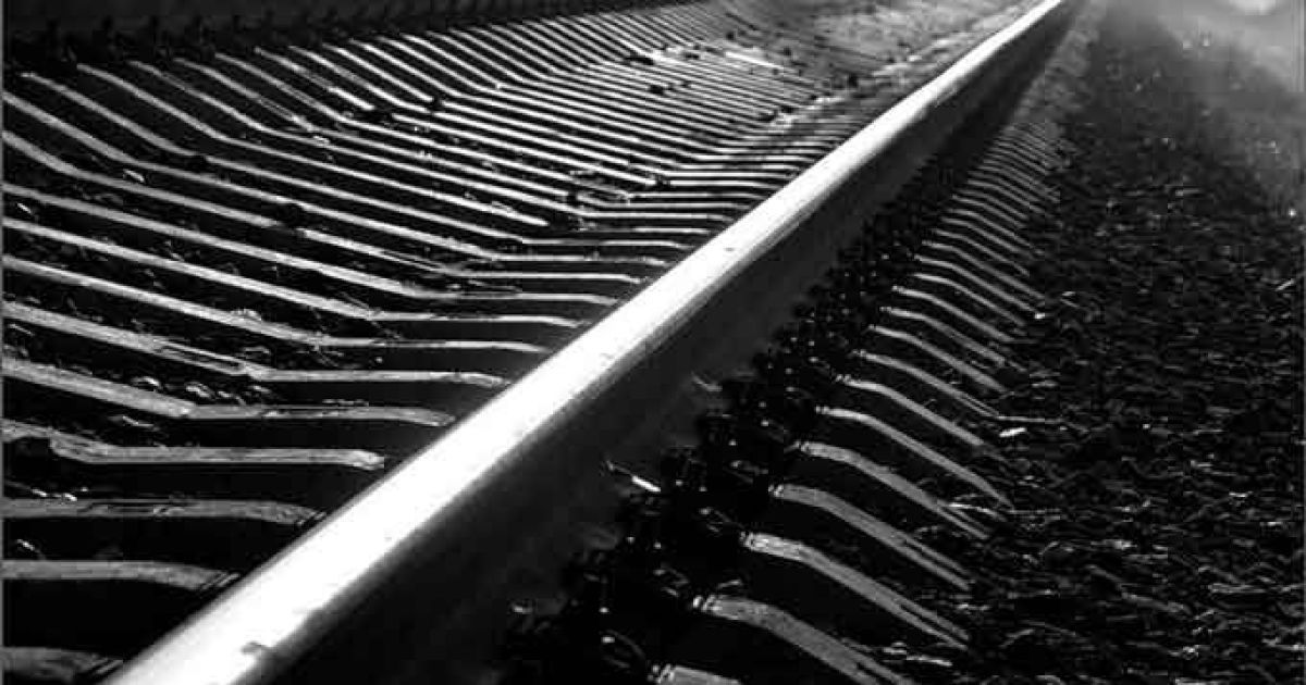 На Хмельнитчине грузовой вагон сошел с рельсов, задерживаются пассажирские поезда и электричка