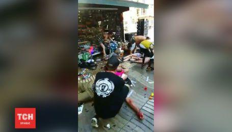Первые минуты после кровавого теракта в Барселоне