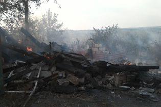Боевики обстреляли Зайцево, ранив мирную жительницу в собственном дворе