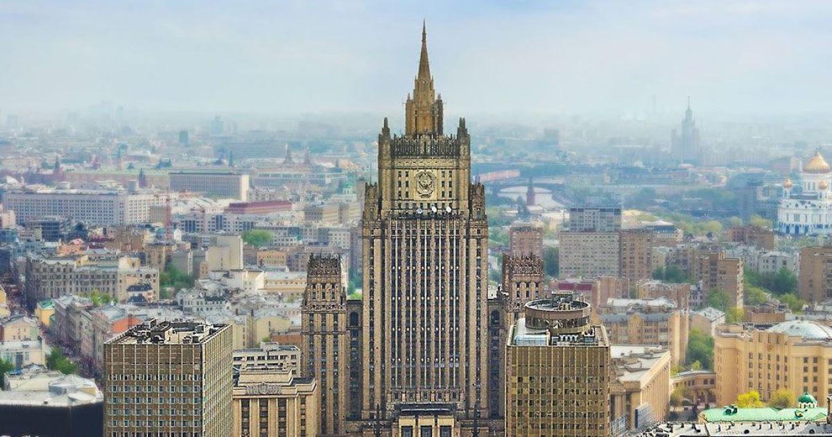 Москва объявила 20 чешских дипломатов персонами нон грата в ответ на выдворение россиян