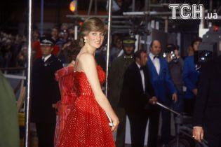 20 лет без Дианы: сыновья принцессы и герцогиня Кейт Миддлтон почтили ее память цветами