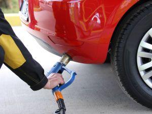 В Украине автогаз подешевел на 20-40 копеек на крупных АЗС