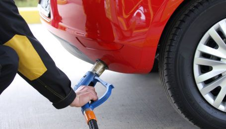 Украинские АЗС продолжают поднимать цены на автогаз