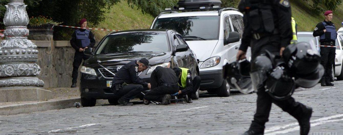 Полиция направила в суд дело в отношении двух членов банды, которая устроила взрыв на Грушевского